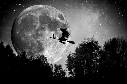 witch-949055_640